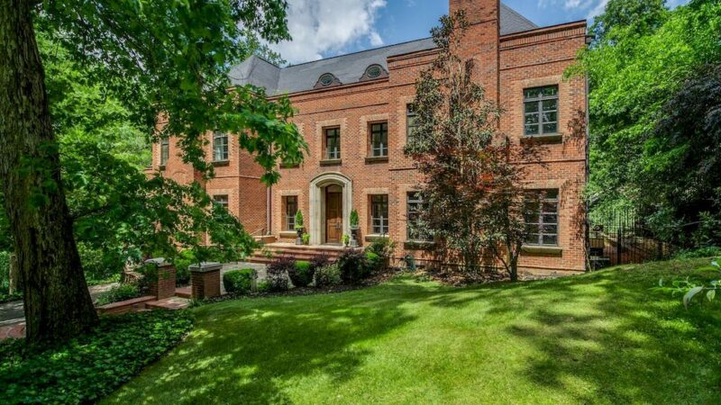 One-of-a-kind Brick-built Traditional Estate in North Carolina Listed for $5,590,000