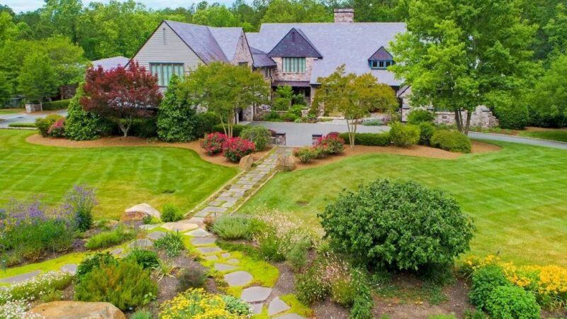 This $6,945,000 Spectacular Country Manor House Exudes Ambiance of Relaxed Sophistication in North Carolina