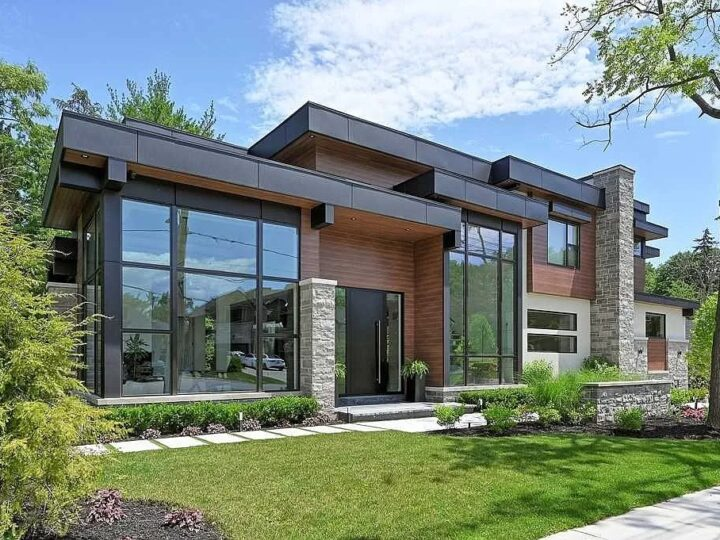 Don't Miss out on the Incredible Opportunity to Own this Elegant Modern House in Ontario for C$6,595,000