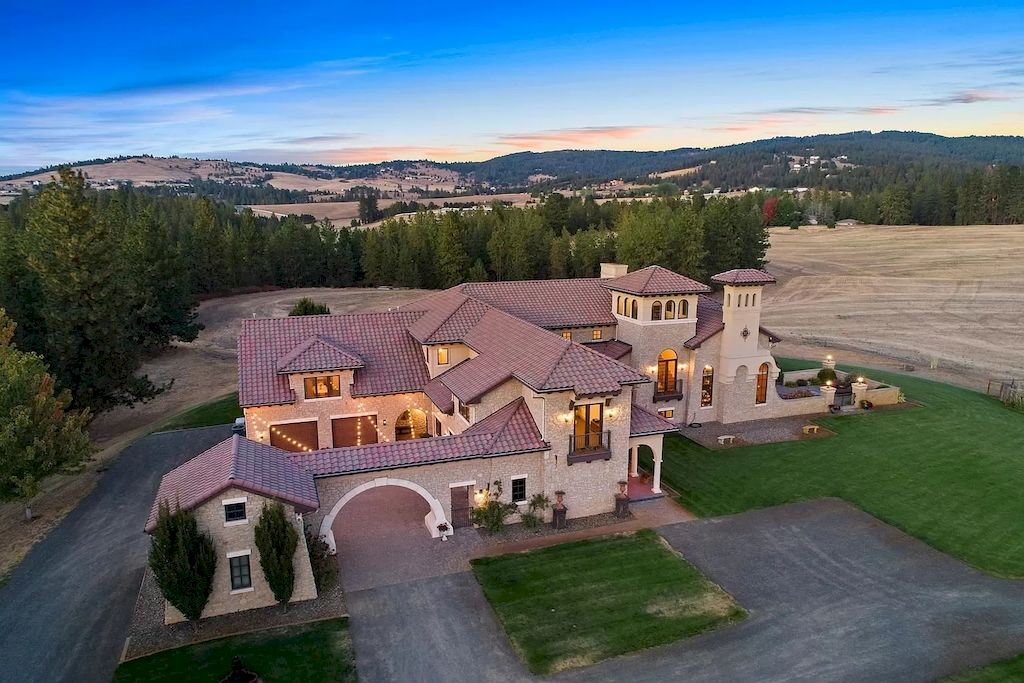 Incredible Home in Washington Inspired by the Italy Countryside Sells for $4,950,000