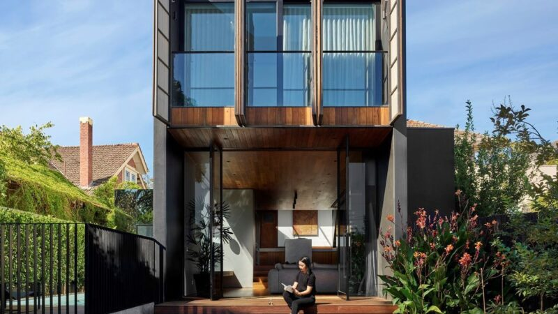 Open Shut House, a Stunning Additional semi-detached Dwelling by WALA