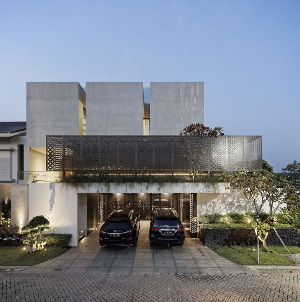 Rubic JGC residence, modern home combines feng shui by Gets Architects