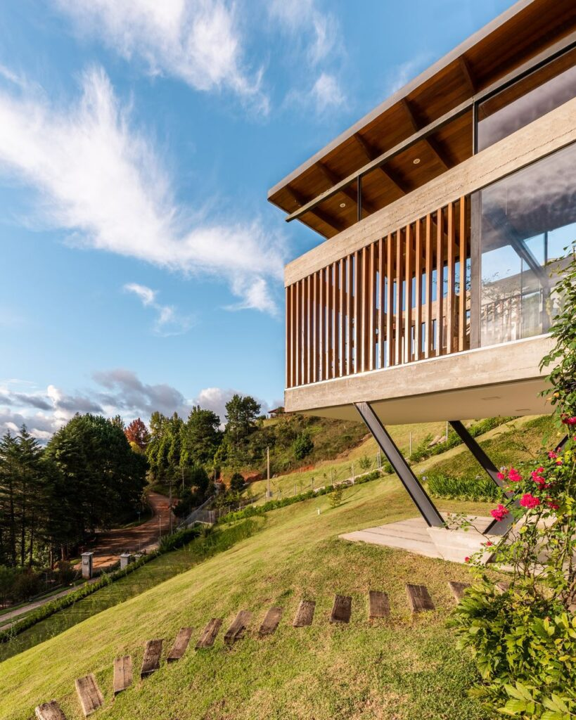 TKN House, a Stunning Mountain Home on Steep Site by OTP Arquitetura