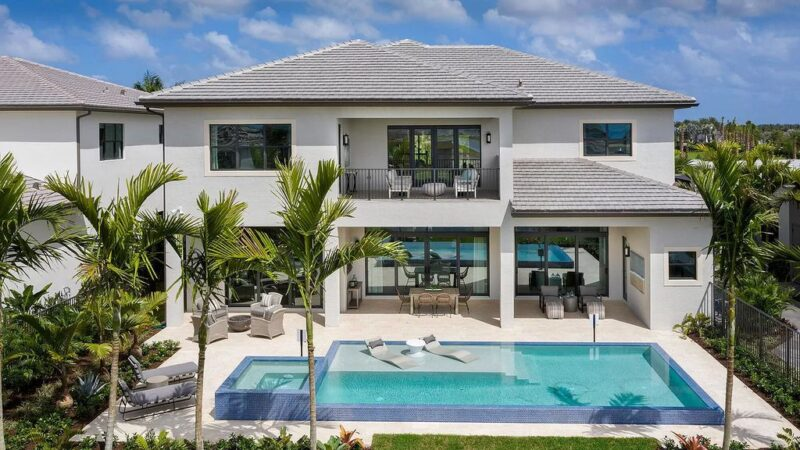 This $3,400,000 Newly Built Boca Raton Home has An Amazing Contemporary Spill Over Pool